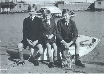 1945 David New OSC1947 with brothers Geoffrey New and John New at Swan River