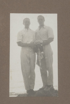 1918c Geoffrey Maxwell OSC1918 right and Friend left