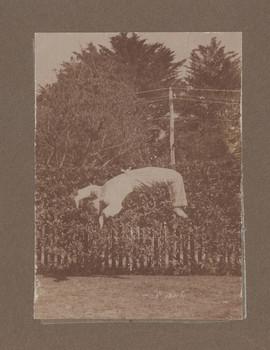 1916 Geoffrey Maxwell OSC1918 performing a back flip